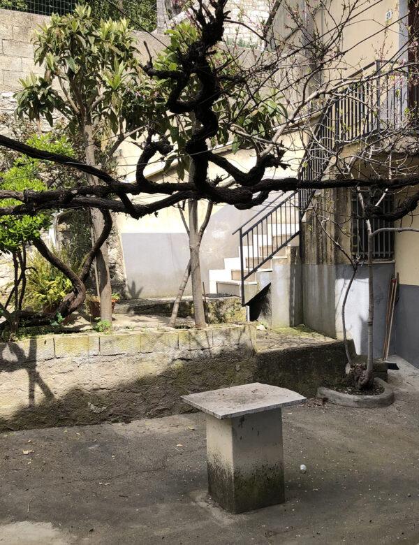 cortile casa Mendola 29