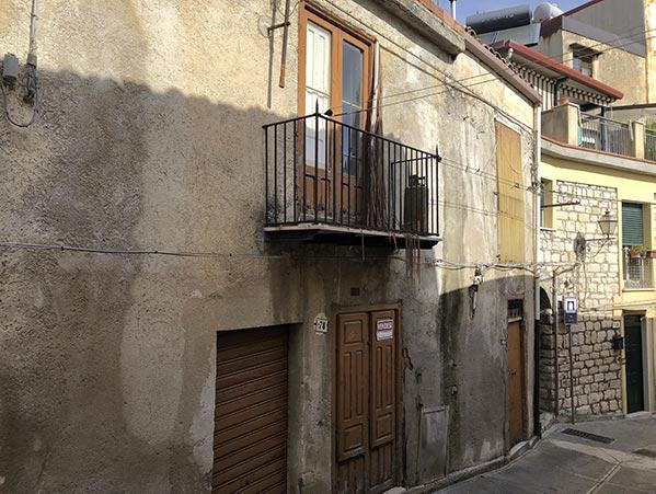 facciata Casa Giglio 80